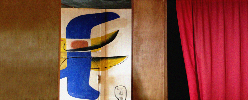 A photo of Le Corbusier's Cabanon during  a cultural tour